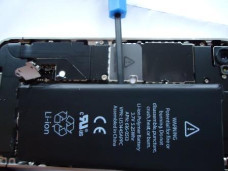 Как заменить аккумулятор на iPhone?