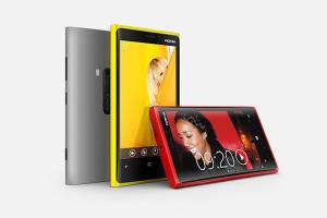 Nokia Lumia 920 и Lumia 820