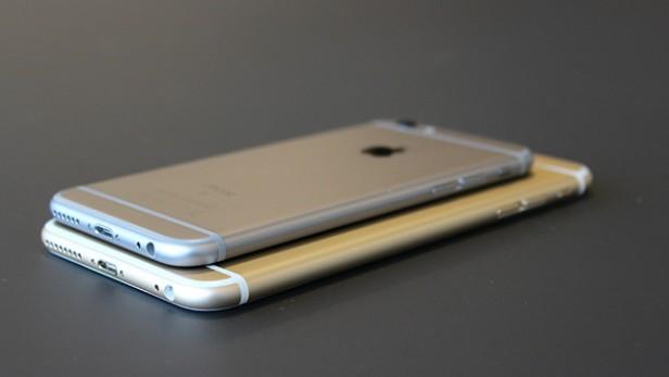 Сравнение толщины смартфонов iPhone 6s и iPhone 6s Plus