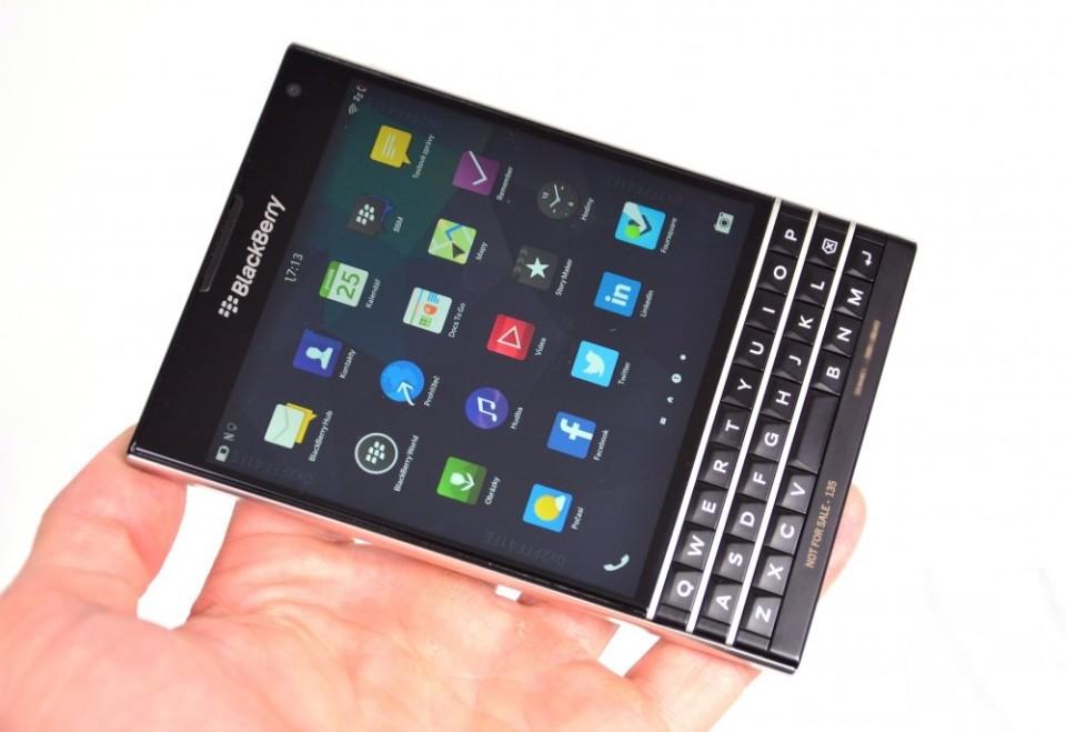 blackberry passport фронтальная сторона